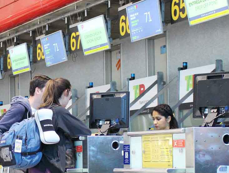 Sistema de Gestão de Filas para Aeroporto de Lisboa by PARTTEAM